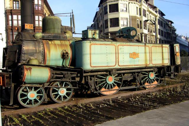 Izarra, primera locomotora de Bilbao